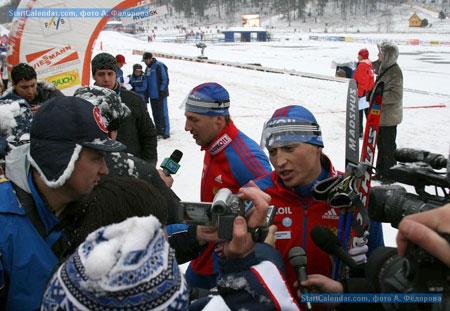А. Легков и Е. Дементьев дают интервью после финиша